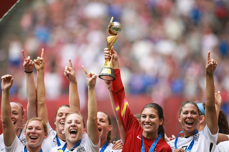 VANCOUVER, CANADA - JULY 05: Hope Solo of USA lifts the trophy after the FIFA Women's World Cup 2015 Final between USA and Japan at BC Place Stadium on July 05, 2015 in Vancouver, Canada. (Photo by William Volcov/Brazil Photo Press/LatinContent/Getty Images)