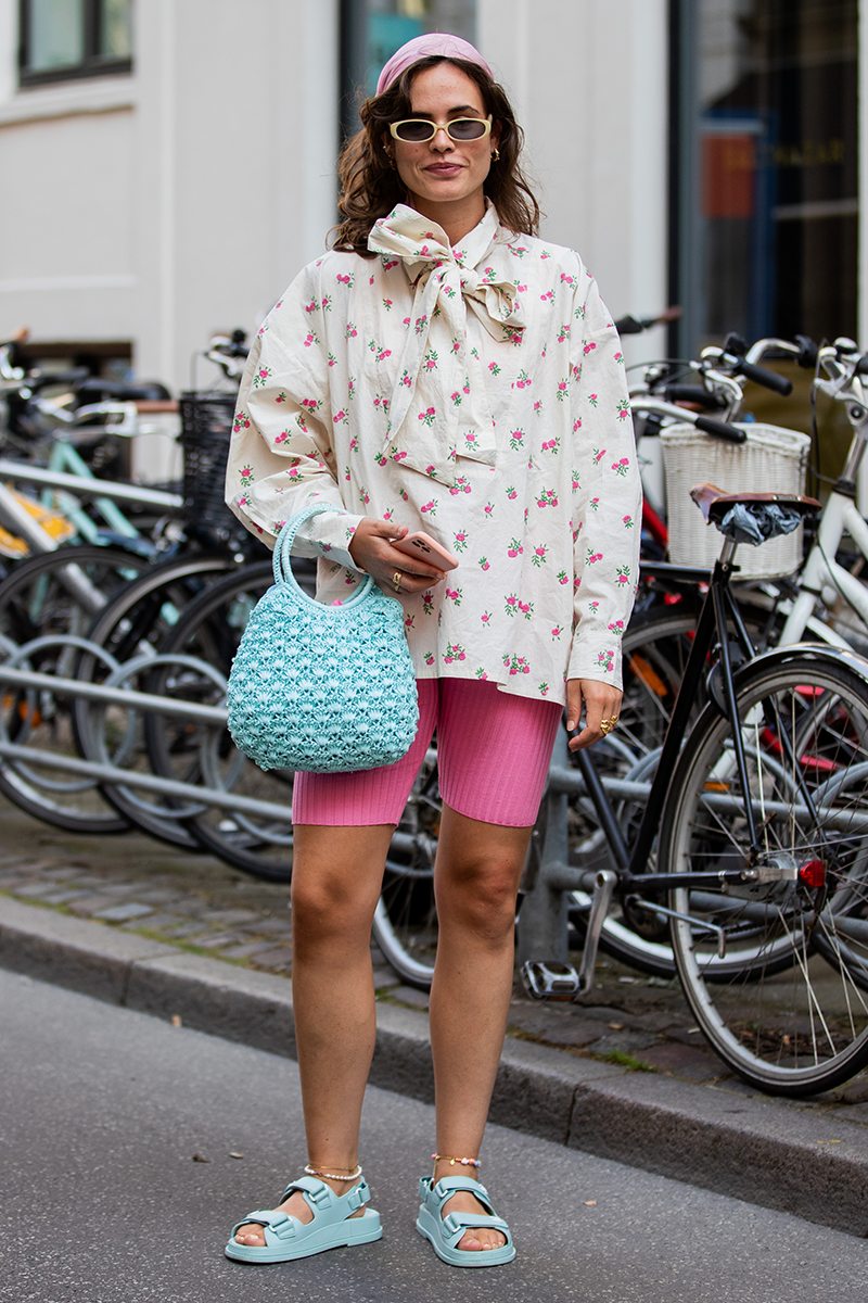<p>Sugary toned accents, like a bubble-gum blue handbag or fairy floss pink headband, are delicious finishing touches for bold print and colour looks.</p>