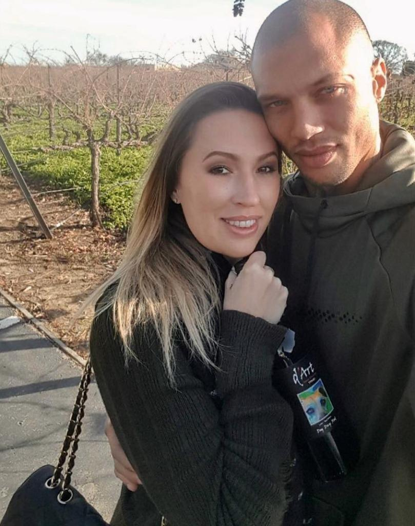 Jeremy Meeks poses with his wife, on their 8th anniversary. (Photo: Courtesy of Instagram.com/jmeeksofficial)