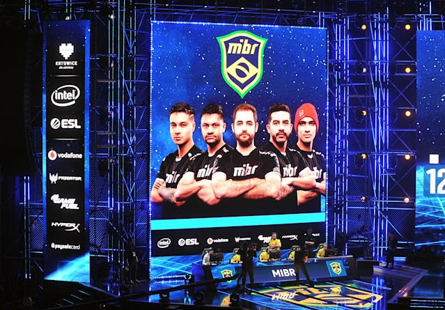 MIBR durante as quartas de final do major (Norbert Barczyk/PressFocus/MB Media/Getty Images)