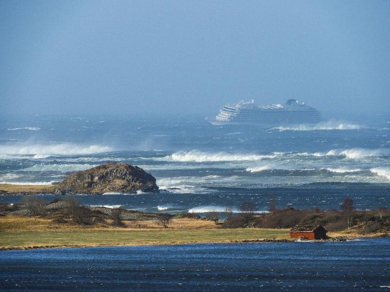 Norway evacuates 1,300 passengers from stricken cruise ship