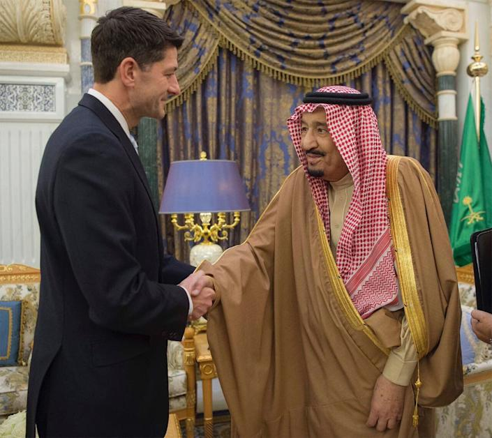 House Speaker Paul Ryan and Saudi King Salman in Riyadh, Saudi Arabia, on Jan. 24. Republican leaders in the House of Representatives moved on Nov. 13 to quash a bill that would end U.S. support for the Saudi-led military campaign in Yemen. (Photo: ASSOCIATED PRESS)