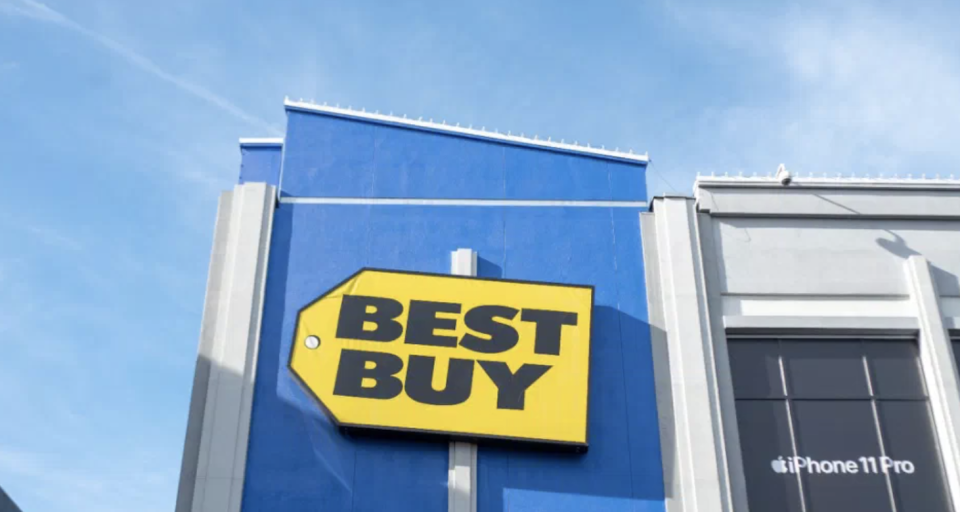 Best Buy Canada's weekly flyer is released every Friday. (Image via Getty Images)