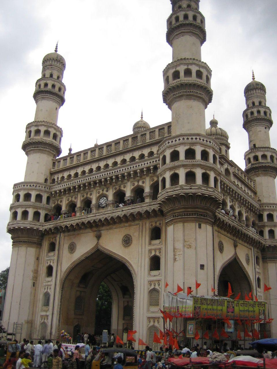 Hyderabad with <b>Rs 3,500-4,000</b> as the average room rate records the lowest average occupancy rate as well to 54 percent. The ARR's have also declined in an attempt to maintain occupancy. (Photo: Linda/Flickr)