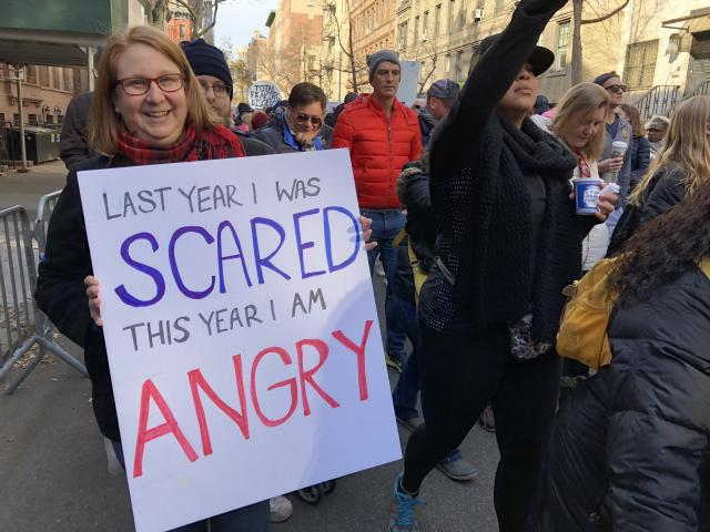 Susan Ferziger with her sign. (Photo: Lisa Belkin/Yahoo News)