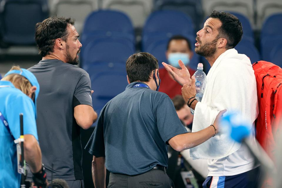 Fognini y Caruso discutiendo al final de su partido en el Open de Australia. (Foto: David Gray / AFP / Getty Images).