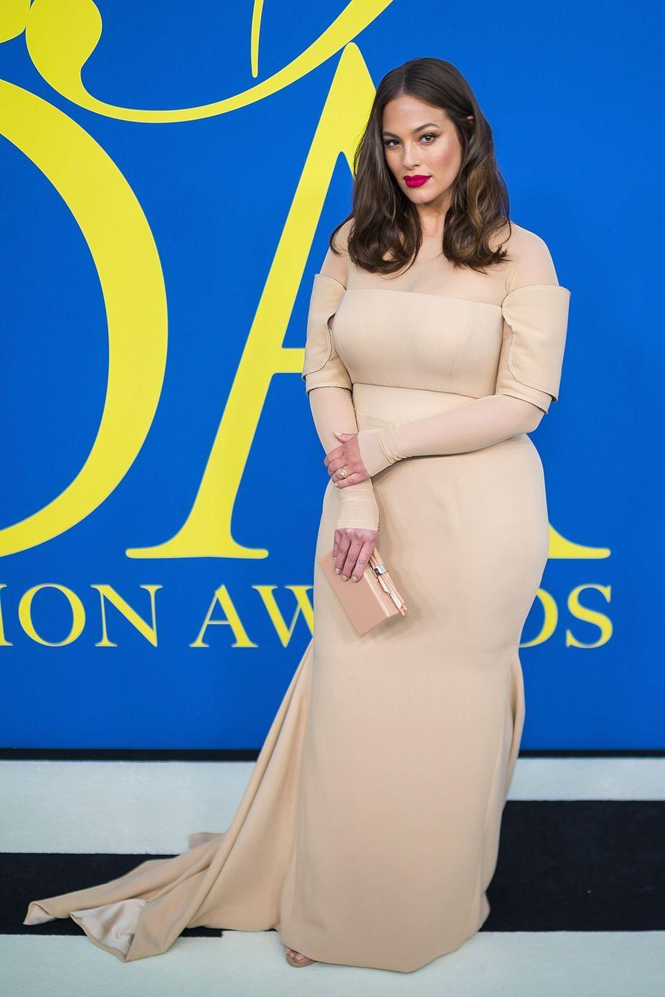 <p>At the 2018 CFDA Awards: Ashley looked flawless at the CFDA Awards in New York. Wearing a floor length nude Vera Wang gown, complete with sleeves that look suspiciously like wrist supports...</p>