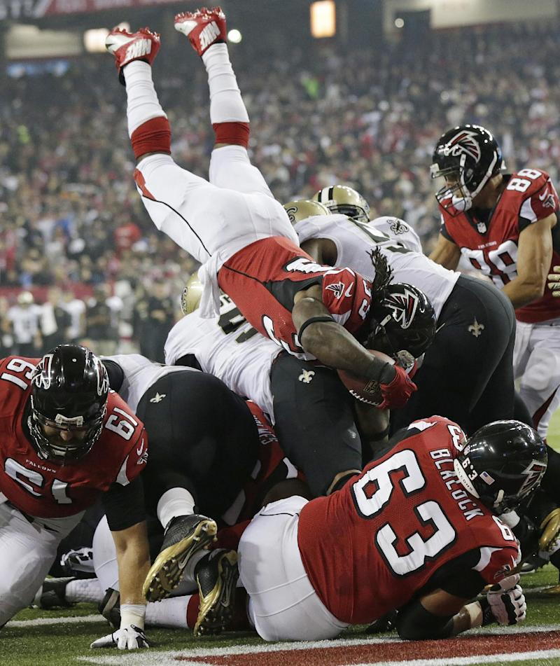 Brees' 2 TDs give Saints 17-13 lead over Falcons