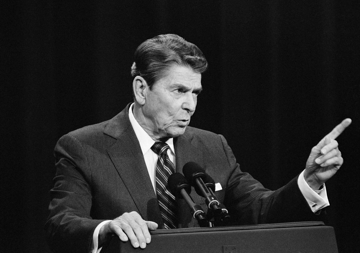Ronald Reagan in his debate with Walter Mondale, October 1984. (Photo: Ron Edmonds/AP)