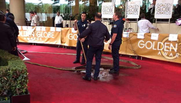 Red carpet disaster at the Golden Globes