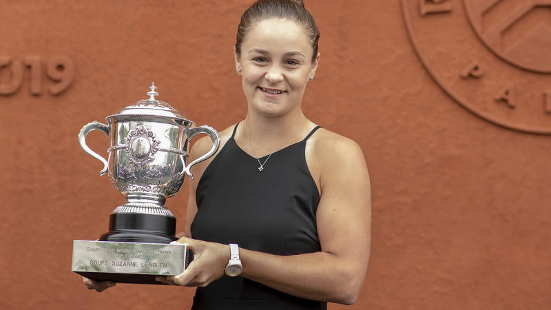 Ashleigh Barty shows off her French Open trophy. (Photo by Tim Clayton/Corbis via Getty Images)