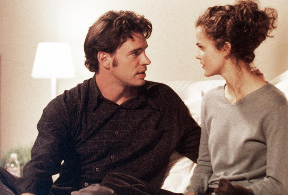 Scott Foley and Keri Russell star in