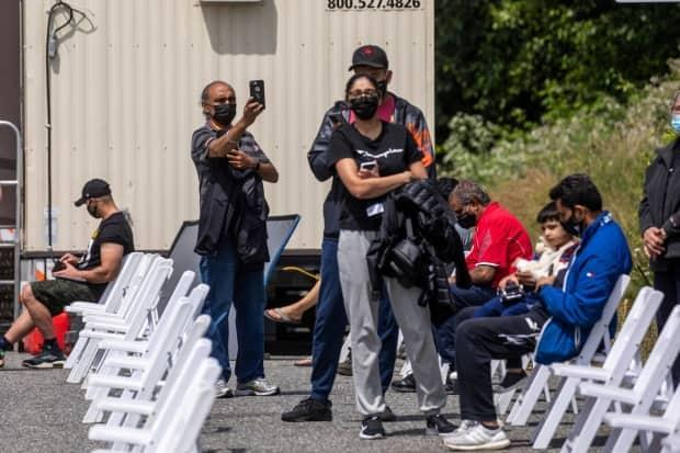 A COVID-19 vaccination clinic for commercial truck drivers off Highway 91 in Delta, B.C., on June 16. (Ben Nelms/CBC - image credit)