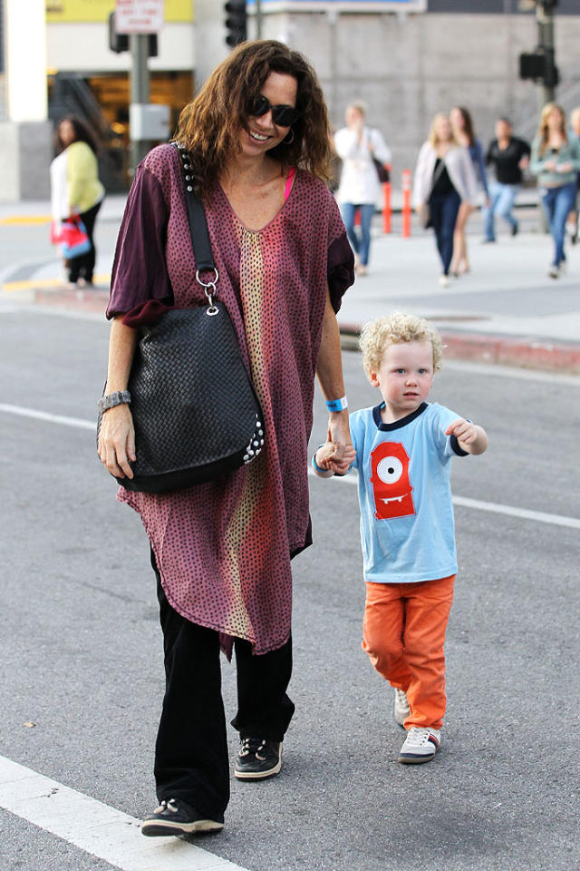 "<p class=""MsoNormal""><b>Minnie Driver's son Henry: 9 pounds, 12 ounces</b></p><p class=""MsoNormal"">British  actress Minnie Driver's son Henry Story Driver didn't clock in at 10 pounds when he was born in September 2008, but he came  close at 9 pounds, 12 ounces. Driver – who finally revealed earlier this  year that her son's father was a writer on her now-defunct TV show ""The Riches"" – said she had planned on giving birth naturally. ""I'm totally the crunchy, Mother Earth-type, and I'm not looking for any type of intervention,"" she said  at a press conference a couple of months before she was set to deliver. And  with a large baby, she knew what to expect, confessing: ""I'm afraid."" </p>"