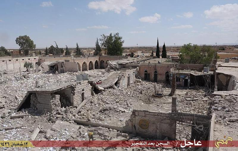 An image made available by Jihadist media outlet Welayat Homs on May 30, 2015, allegedly shows the Tadmur prison in the Syrian city of Palmyra after it was blown up by Islamic State group jihadists (AFP Photo/)