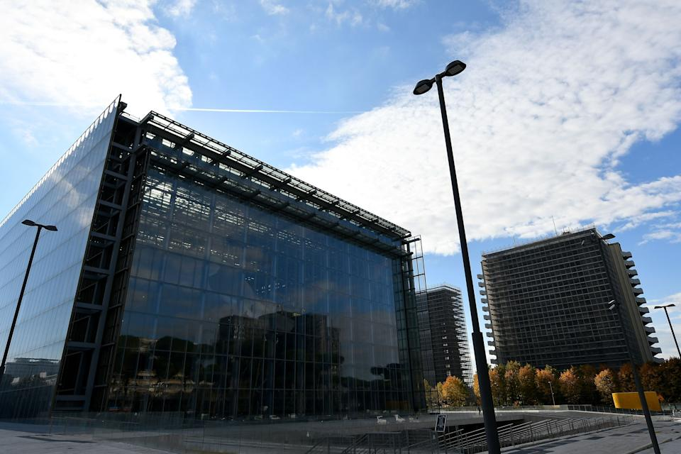 "A general view shows the new Convention center named ""The cloud"" (""La Nuvola"" in Italian) designed by Italian architect Massimiliano Fuksas on October 19, 2016 in the Eur business district in Rome. The congress center will be inaugurated on October 29, 2016. (Photo by ALBERTO PIZZOLI / AFP) (Photo by ALBERTO PIZZOLI/AFP via Getty Images) (Photo: AFP via Getty Images)"