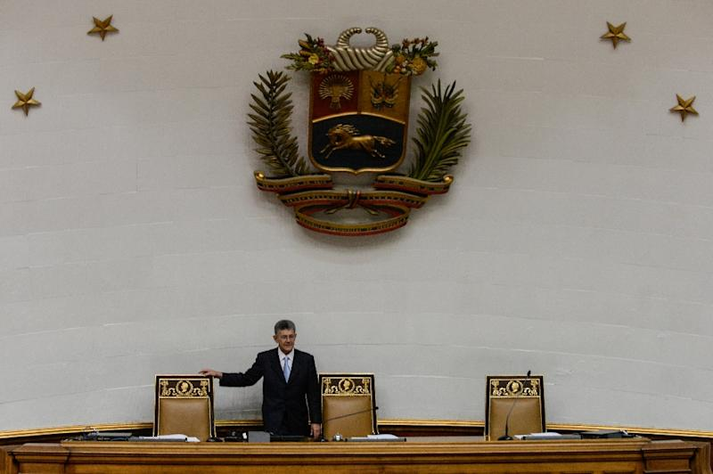 The president of the National Assembly, Henry Ramos Allup, attends a session in Caracas on January 12, 2016 (AFP Photo/Federico Parra)