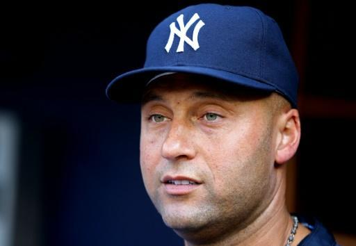 Jeter, Bush win auction for Marlins