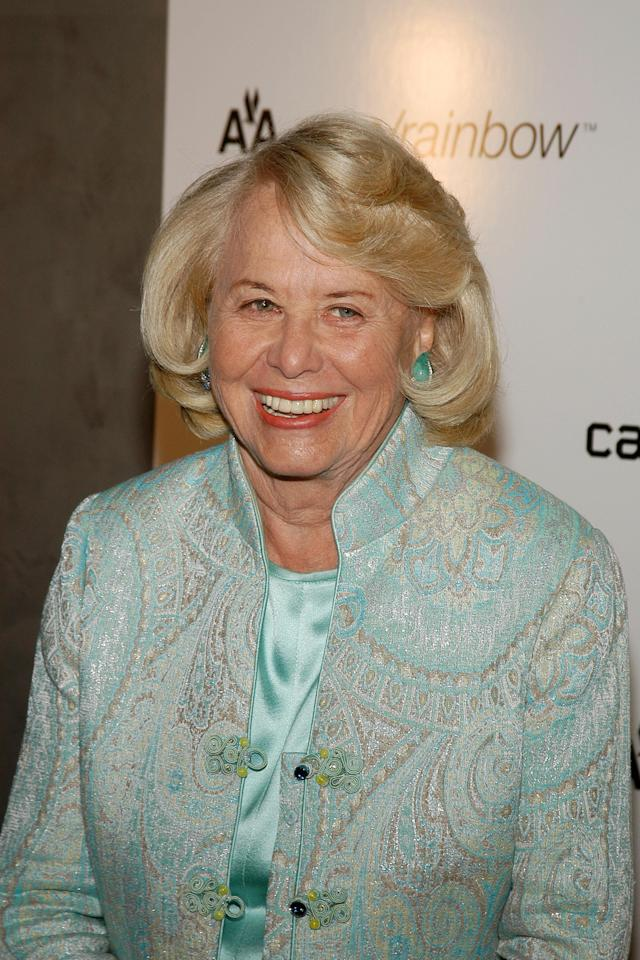 Liz Smith, pictured in 2007, was one of the original gossip queens. (Photo: A Scott/Patrick McMullan via Getty Images)