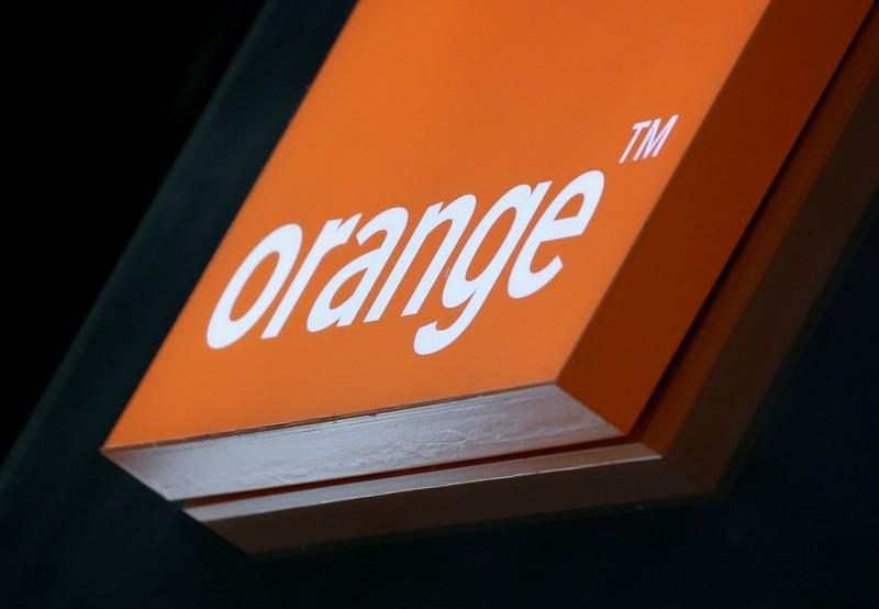 Orange sees French 2019 earnings growth in line with last year