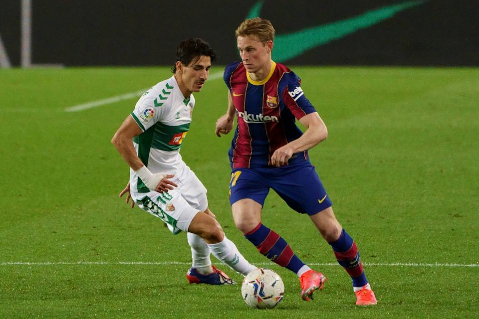Barcelona midfielder Frenkie de Jong (right). (PHOTO: LaLiga)