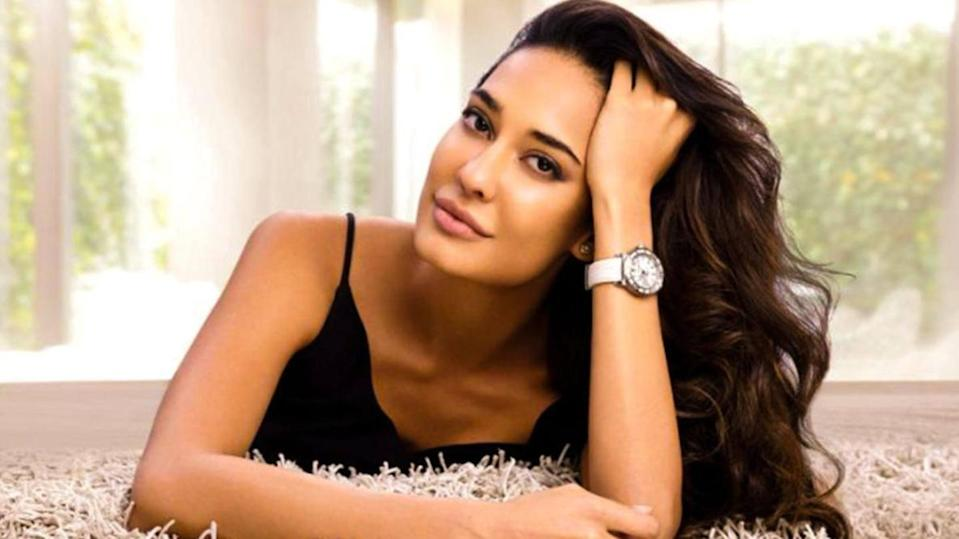Coming this June: Lisa Haydon announces her third pregnancy