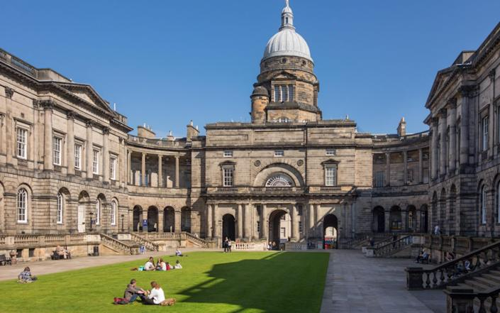 Old College, The University of Edinburgh - Kay Roxby/Alamy