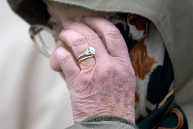 <p>It only became common to match your engagement ring and wedding band in the past few decades. Recently brides have started mixing metals again, as a nod to retro looks, like Queen Elizabeth's gold wedding band and platinum engagement ring. <br></p>