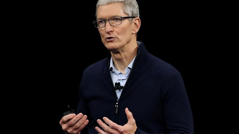 Tim Cook le patron d'Apple augmenté de 22