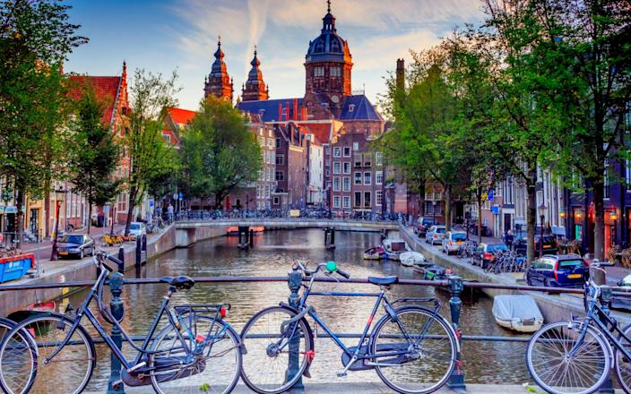 Amsterdam relies heavily on tourist income - MOMENT RF