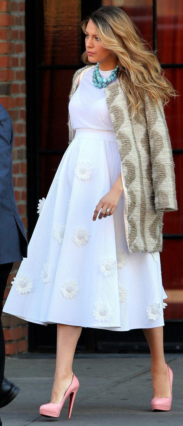 <p>Blake Lively kept her statuesque frame towering high in Louboutins throughout her pregnancy.</p>