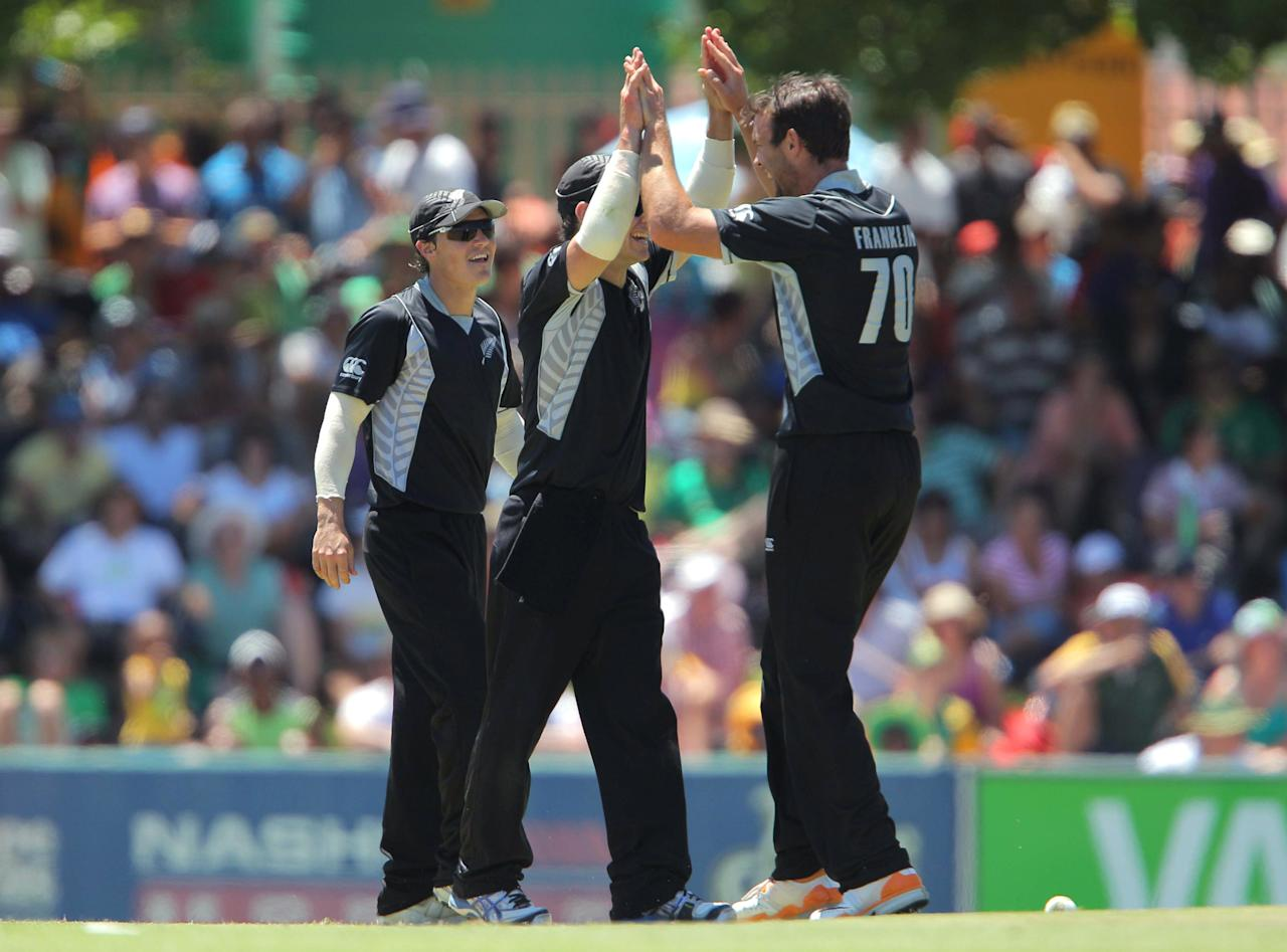 PAARL, SOUTH AFRICA - JANUARY 19: New Zealand celebrates the wicket of Quinton de Kock from the Proteas during the 1st One Day International match between South Africa and New Zealand at Boland Park on January 19, 2013 in Paarl, South Africa (Photo by Carl Fourie/Gallo Images/Getty Images)