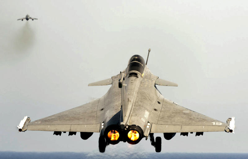India to buy 126 Rafale fighter jets in $11B deal
