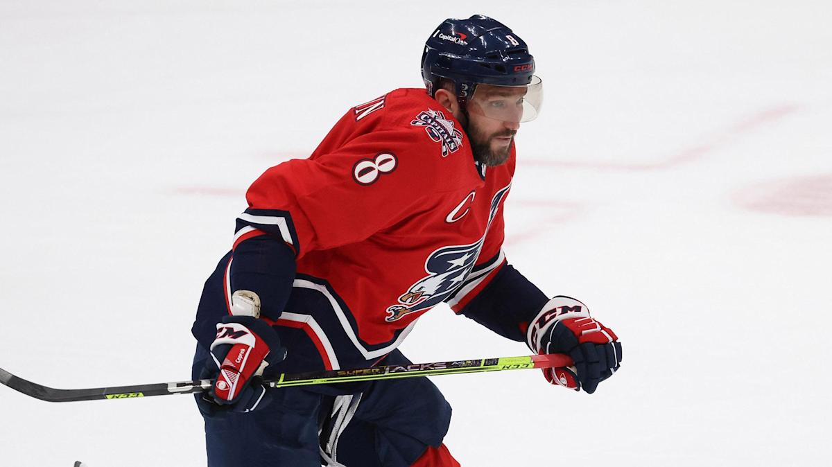 Alex Ovechkin moves up all-time goals list