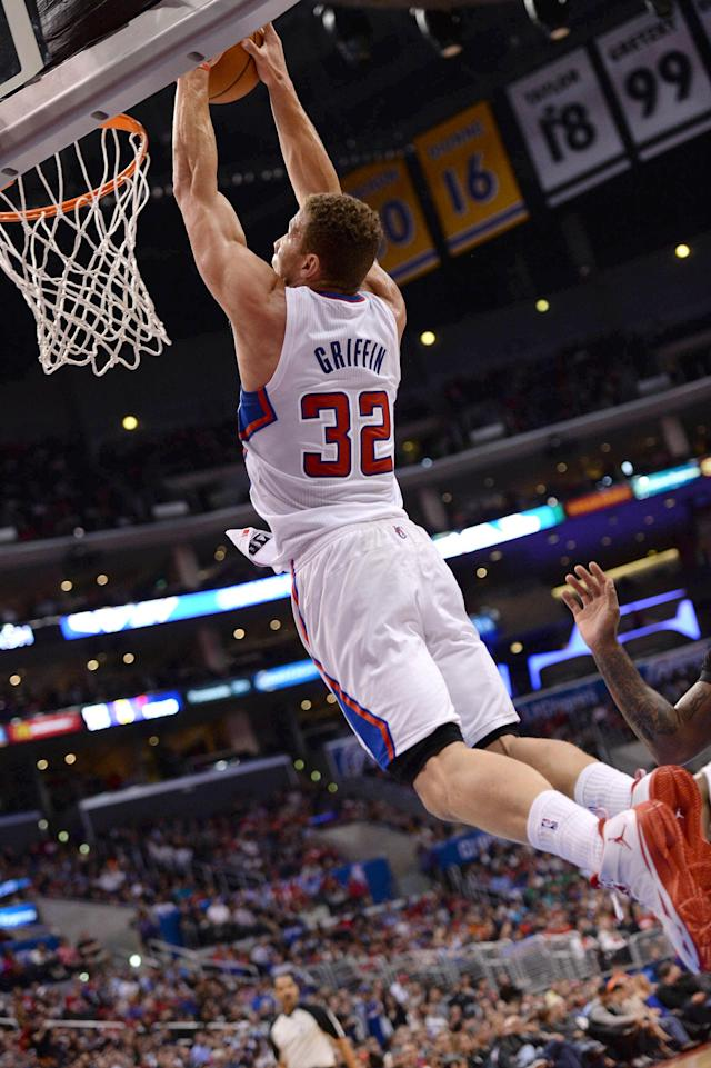 LOS ANGELES, CA - MARCH 10: Blake Griffin #32 of the Los Angeles Clippers dunks against the Phoenix Suns at Staples Center on March 10, 2014 in Los Angeles, California. (Photo by Noah Graham/NBAE via Getty Images)