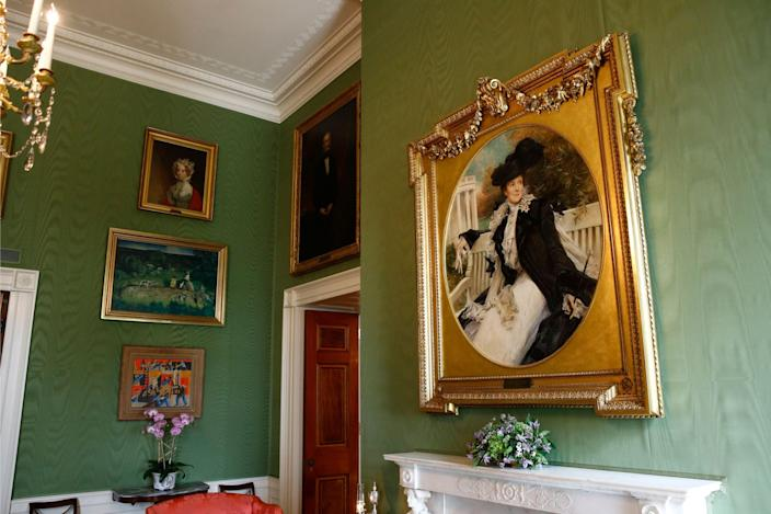 This Sept. 17, 2019, photo shows a portrait of former first lady Edith Roosevelt, right, wife of President Theodore Roosevelt, in the Green Room of the White House in Washington.