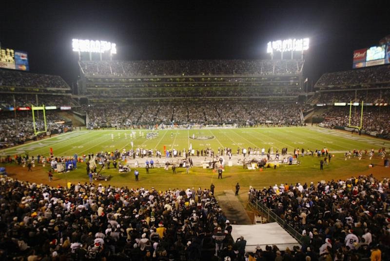 Raiders could leave Oakland for Las Vegas earlier than expected