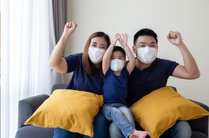how to quarantine at home with family