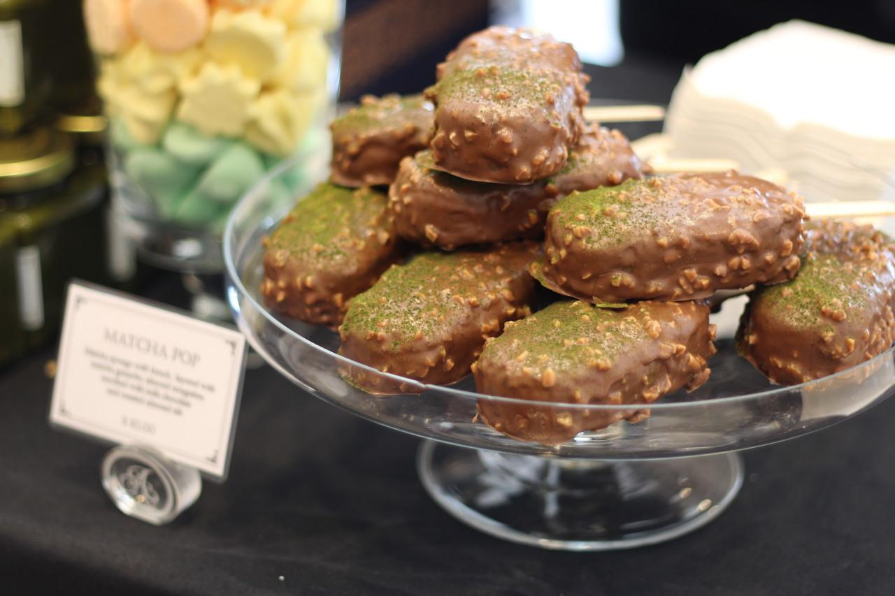 <p>Don't be fooled by the name and appearance, this chocolate green tea dessert is not ice-cream, but rather it's a green tea sponge cake coated with nuts and chocolate. The inside includes matcha ganache and almond nougatine. </p>