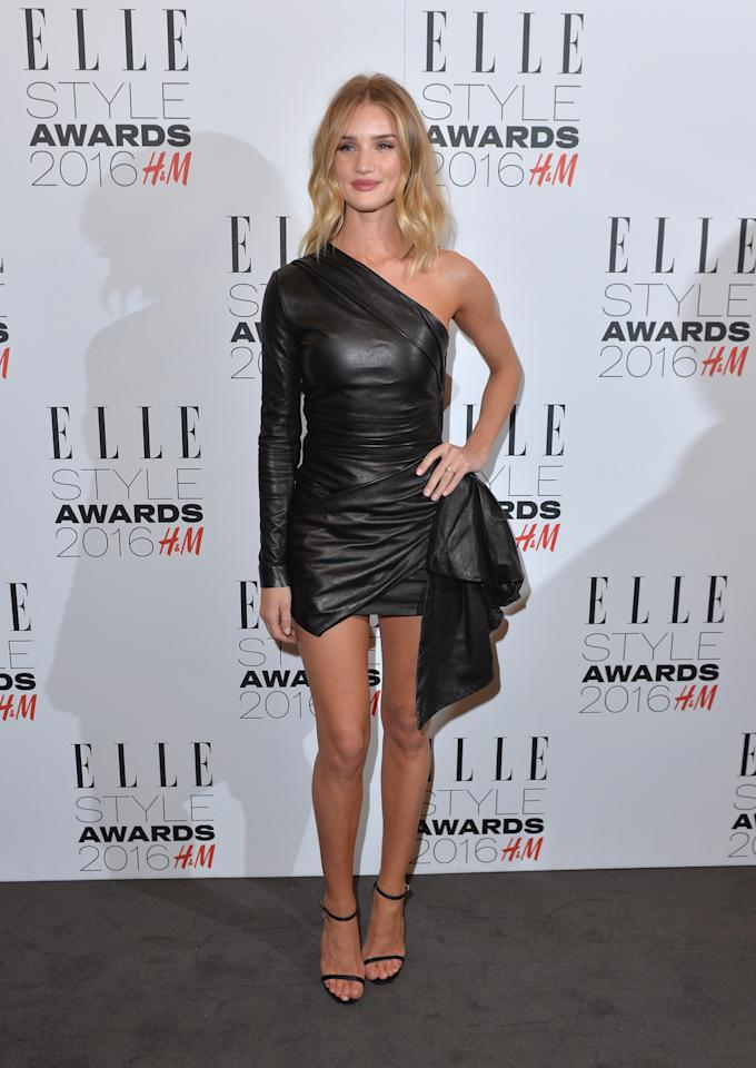 <p>The British model looked her usual wow-factor self in a one-shoulder mini dress from Roberto Cavalli. <i>[Photo: Getty]</i><br /></p>