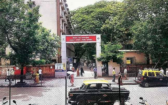 Mumbai: Resident doctors on mass leave after patient's relatives attack Sion Hospital physician