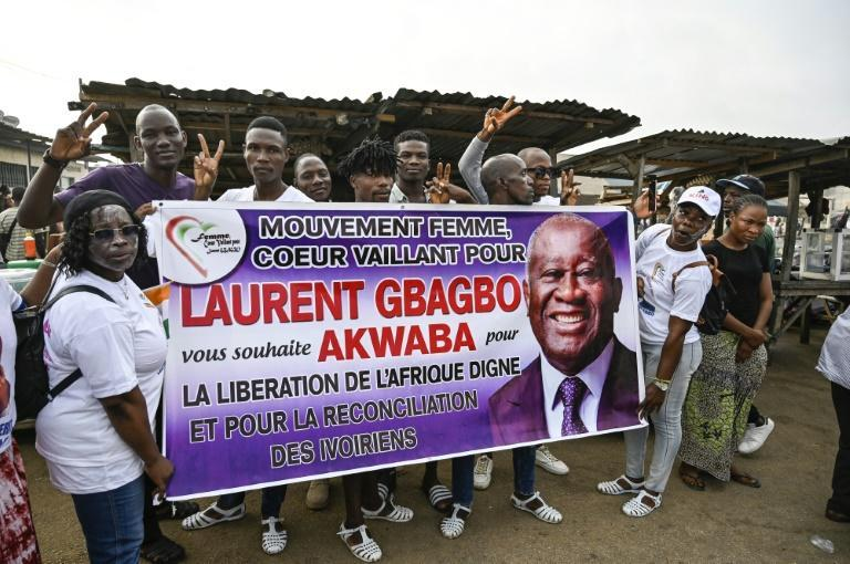 Supporters have been eagerly awaiting the ex-president's return