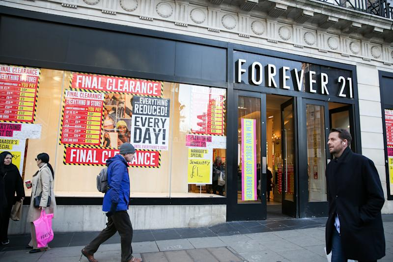 LONDON, UNITED KINGDOM - 2019/12/04: A branch of Forever 21 on Oxford Street. (Photo by Dinendra Haria/SOPA Images/LightRocket via Getty Images)