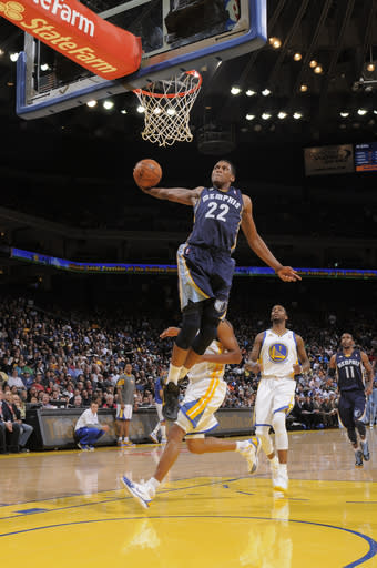 OAKLAND, CA - MARCH 07: Rudy Gay #22 of the Memphis Grizzlies throws down a dunk against the Golden State Warriors on March 07, 2012 at Oracle Arena in Oakland, California. (Photo by Rocky Widner/NBAE via Getty Images)