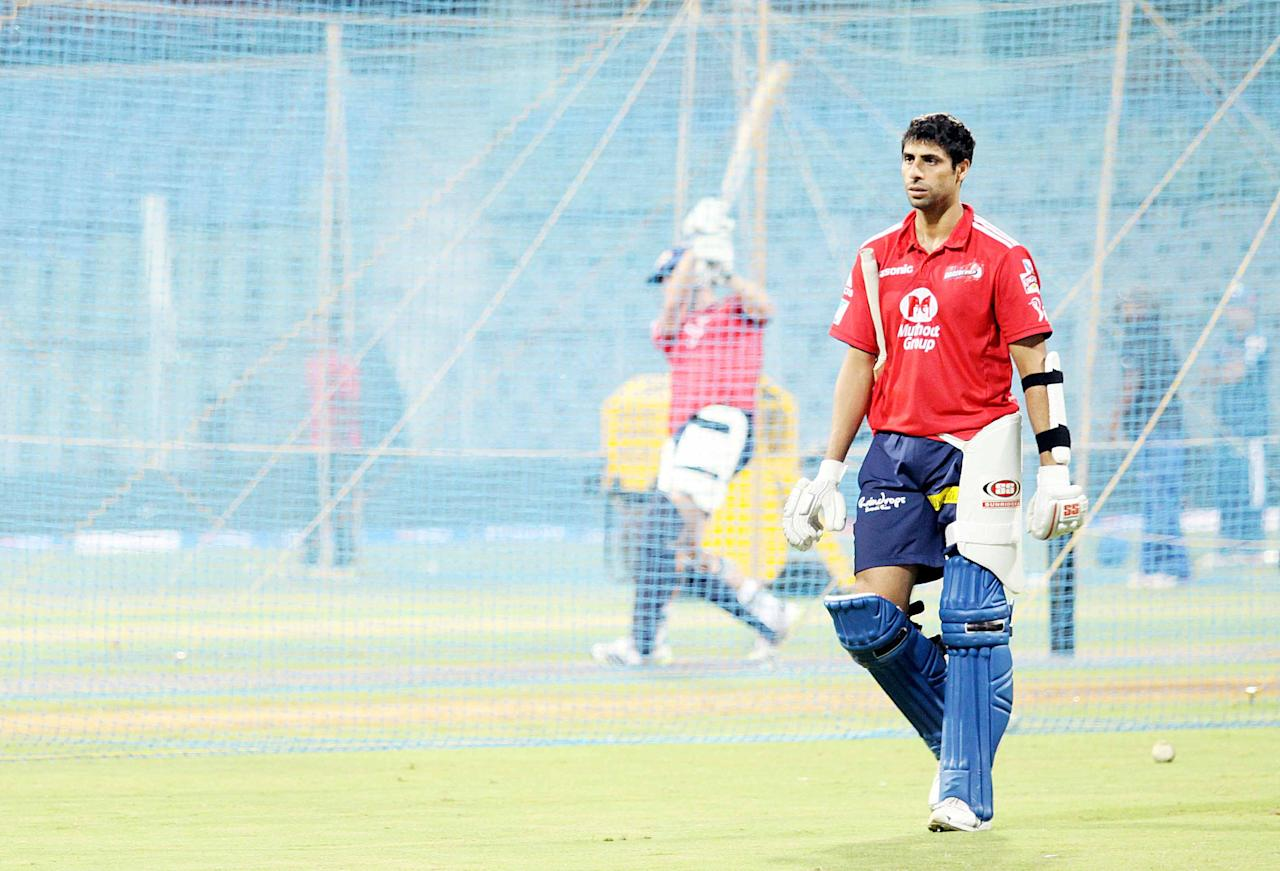 Ashish Nehra in his batting gear during a nets session at the Wankhede Stadium in Mumbai on 8 April 2013. (Yogen Shah)