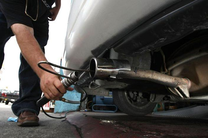 Testing a car's emissions. (Photo: Justin Sullivan/Getty Images)