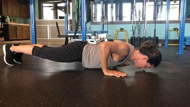 """<p>Posting short clips of her workouts with trainer <a href=""""https://www.womenshealthmag.com/uk/fitness/workouts/a32839359/simone-de-la-rue-cardio-circuit/"""" rel=""""nofollow noopener"""" target=""""_blank"""" data-ylk=""""slk:Simone de la Rue"""" class=""""link rapid-noclick-resp"""">Simone de la Rue</a>, Jennifer showed what it takes to get fighting fit for a role. </p><p>Working through circuits of <a href=""""https://www.womenshealthmag.com/uk/fitness/workouts/a700678/how-to-do-shoulder-presses/"""" rel=""""nofollow noopener"""" target=""""_blank"""" data-ylk=""""slk:shoulder presses"""" class=""""link rapid-noclick-resp"""">shoulder presses</a>, lateral raises with resistance bands, front raises, weighted sit-ups, press-ups, donkey kicks, <a href=""""https://www.womenshealthmag.com/uk/fitness/strength-training/a708267/bicep-curl/"""" rel=""""nofollow noopener"""" target=""""_blank"""" data-ylk=""""slk:bicep curls"""" class=""""link rapid-noclick-resp"""">bicep curls</a> and <a href=""""https://www.womenshealthmag.com/uk/fitness/workouts/a35587594/russian-twists/"""" rel=""""nofollow noopener"""" target=""""_blank"""" data-ylk=""""slk:Russian twists"""" class=""""link rapid-noclick-resp"""">Russian twists</a>, the dynamic duo put it in the work when they train together. </p><p><a href=""""https://www.instagram.com/p/BnWtDFYBMnr/"""" rel=""""nofollow noopener"""" target=""""_blank"""" data-ylk=""""slk:See the original post on Instagram"""" class=""""link rapid-noclick-resp"""">See the original post on Instagram</a></p>"""