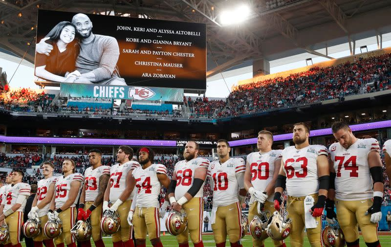Kobe Bryant honored with moment of silence at Super Bowl