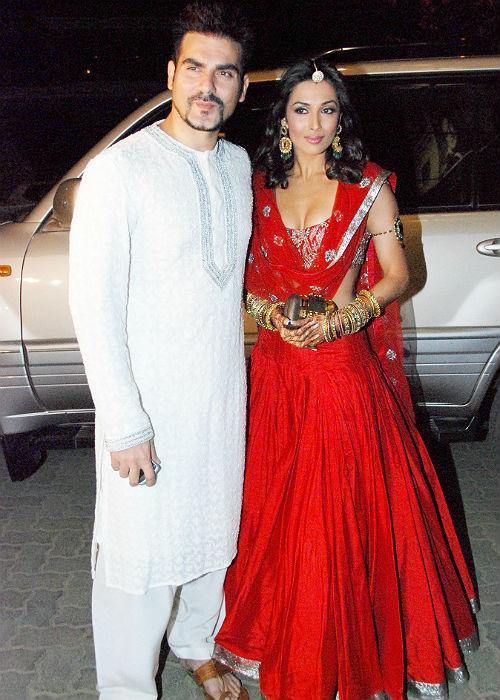 <b>6. Arbaaz Khan and Malaika Arora</b><br><br>Unlike Sohail, Arbaaz did not elope with Malaika, rather, like an obedient son-in-law agreed to Malaika's mom and had a Church wedding with his girl.
