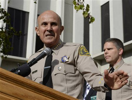 Los Angeles County Sheriff Lee Baca announces his retirement during a news conference at sheriff's headquarters in Monterey Park, California January 7, 2014. REUTERS/Kevork Djansezian